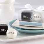 Salt and Pepper Favour